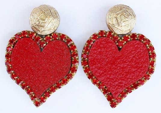 anillos-corcho-joyeria-unica-materiales-innovador-reciclaje-zarcillos-corazon