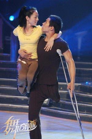 ballet-mano-a-mano-bailarines-discapacitados-sin-brazo-sin-pierna7
