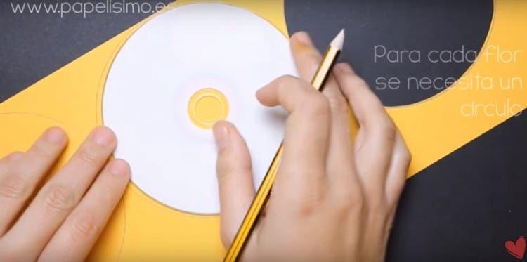 tutorial-para-hacer-flores-de-papel2