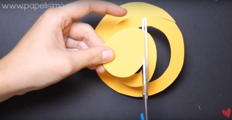 tutorial-para-hacer-flores-de-papel3