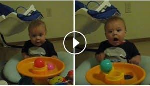 bebe-se-asusta-con-juguete2