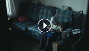 camara-sigue-abuela-98-anos-vive-completamente-sola