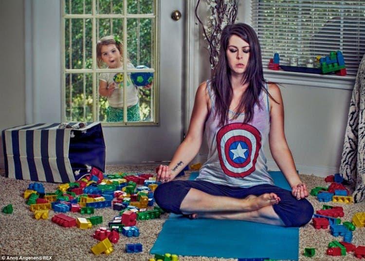 fotos-graciosas-sobre-el-caos-de-la-maternidad-anna-angenend11