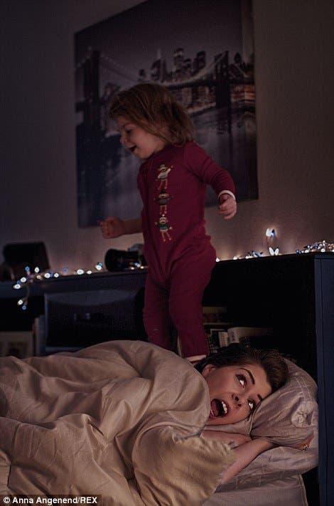 fotos-graciosas-sobre-el-caos-de-la-maternidad-anna-angenend13
