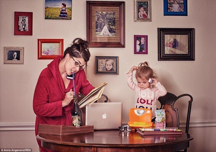 fotos-graciosas-sobre-el-caos-de-la-maternidad-anna-angenend14