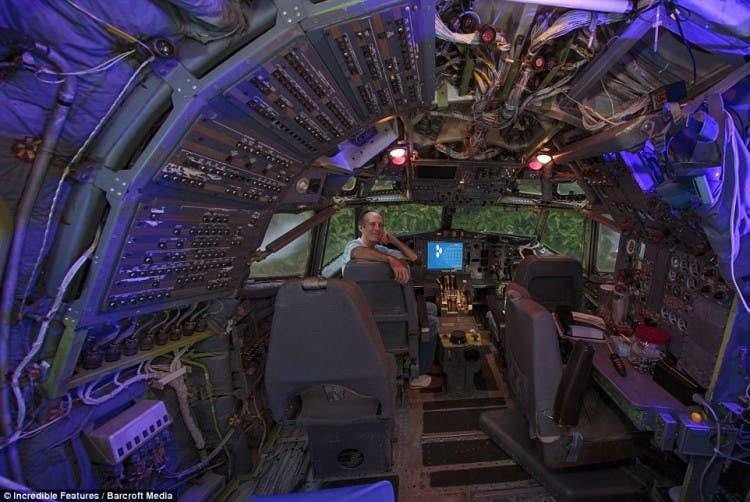 hombre vive en avión 8