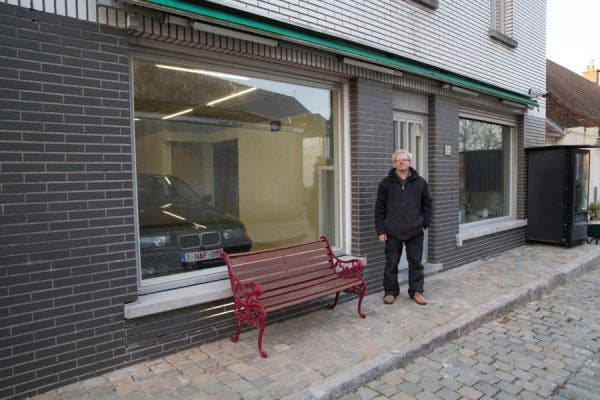 jubilado-ingenia-puerta-de-garaje2