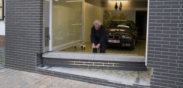 jubilado-ingenia-puerta-de-garaje4