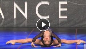 nina-12-anos-aleluya-baile