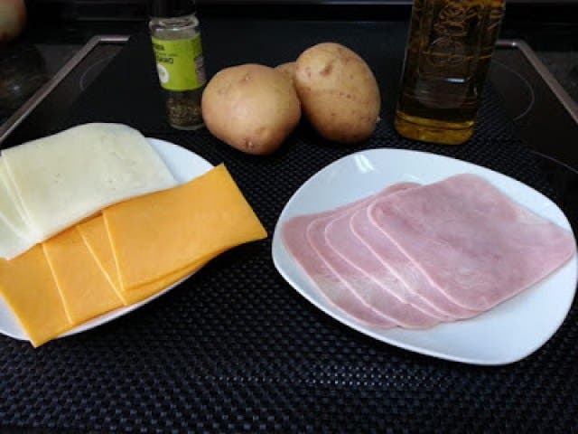 receta-de-patatas-con-queso-y-jamon-horneadas2