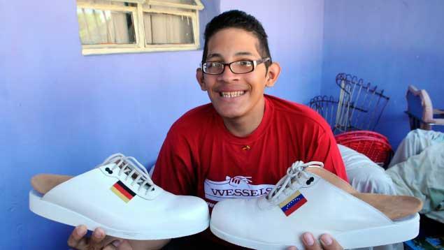 venezolano-con-pies-mas-grandes-del-mundo2