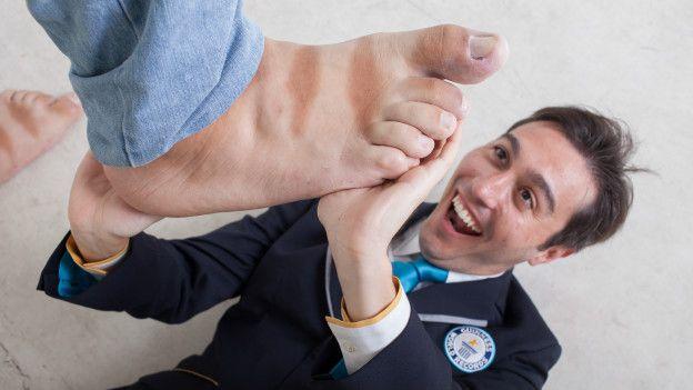 venezolano-con-pies-mas-grandes-del-mundo3