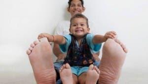 venezolano-con-pies-mas-grandes-del-mundo4 - copia