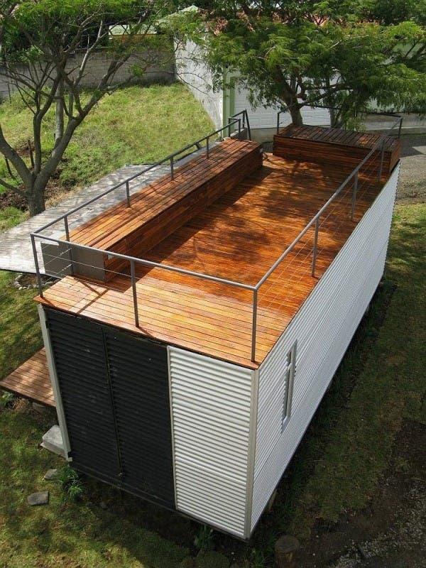Pequeno-hogar-construido-con-un-contenedor-3