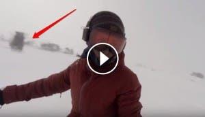snowboarder-escapa-de-un-oso1 - copia