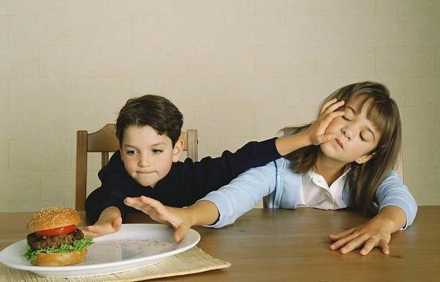 ventajas-de-tener-hermanos-varones-cinco