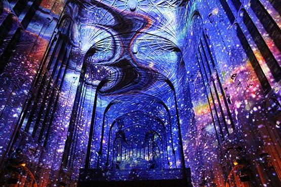 iglesia-cambridge-iluminada-por-miguel-chevalier-814