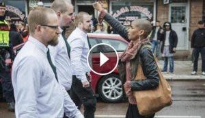 mujer-desafia-a-300-nazis7