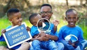 4-hermanos-crecen-juntos-adoptados-por-2-amigas