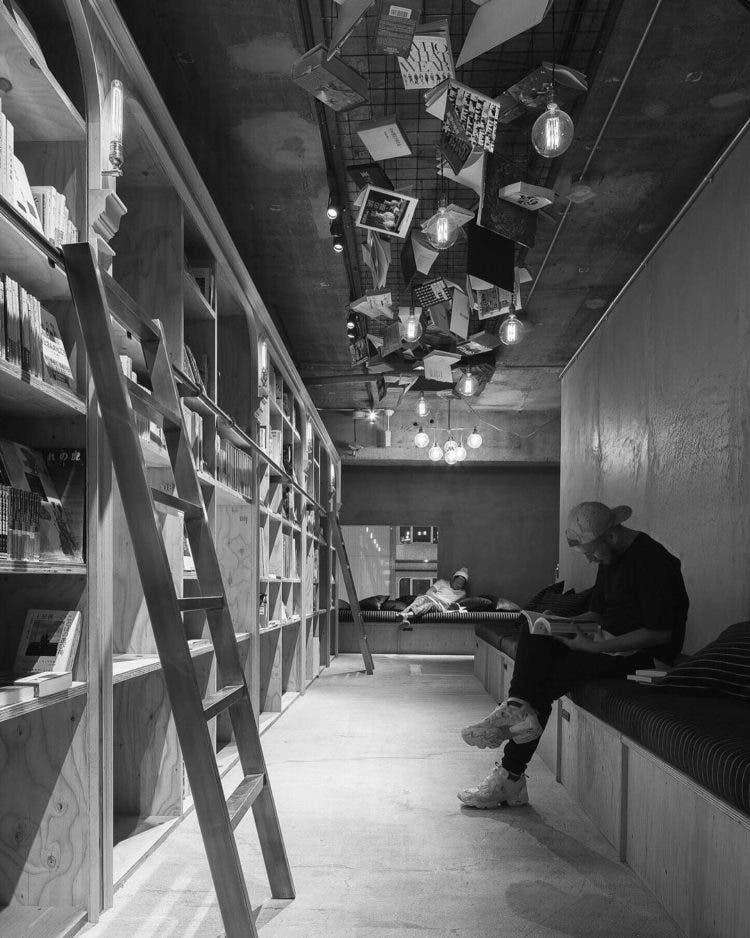 hostal-libros-tokio-6