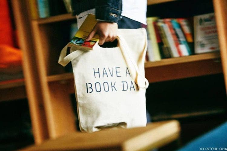 hostal-libros-tokyo-1