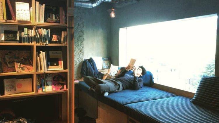 hostal-libros-tokyo-2