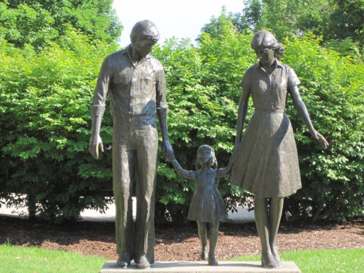 monumentos-familia-12