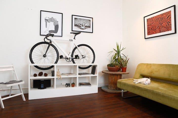 muebles-ahorradores-de-espacio-bicicleta1