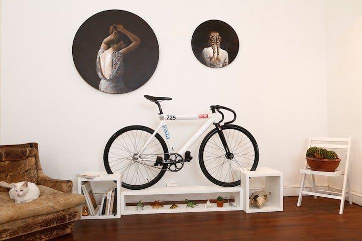 muebles-ahorradores-de-espacio-bicicleta2