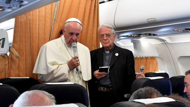 papa-francisco-dice-que-la-iglesia-debe-pedir-disculpas-a-los-gays2