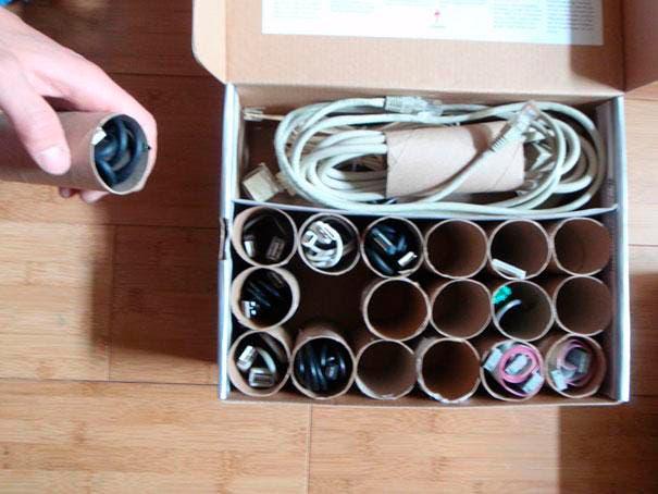 ideas-para-ocultar-objetos-incomodos-en-casa11