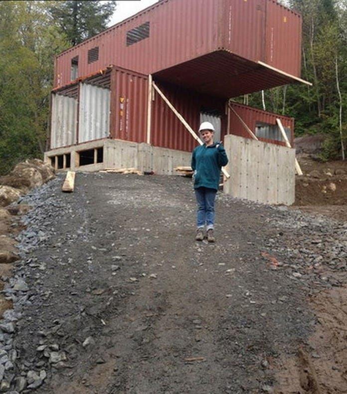 increible-casa-de-lujo-construida-con-contenedores-marítimos-13