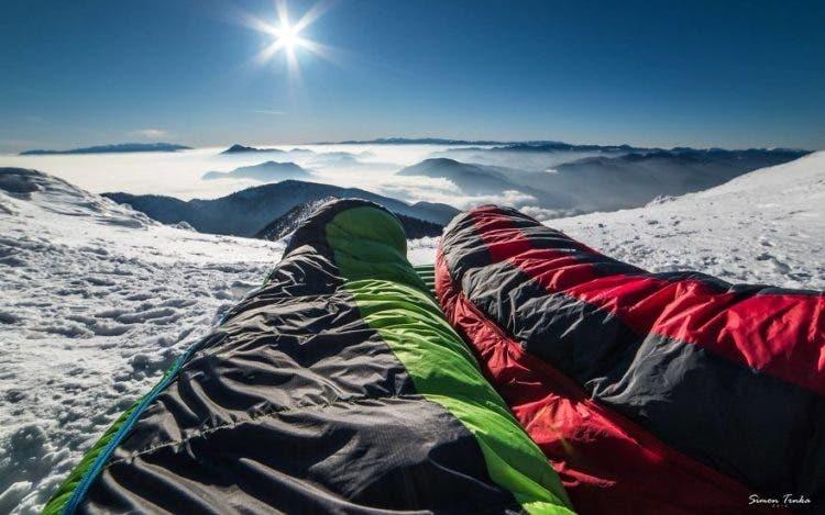 increibles-citas-en-las-montañas-eslovaquia-nieve-estrellas-enamorados-10