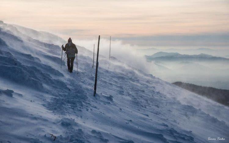 increibles-citas-en-las-montañas-eslovaquia-nieve-estrellas-enamorados-15