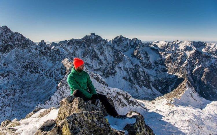 increibles-citas-en-las-montañas-eslovaquia-nieve-estrellas-enamorados-17