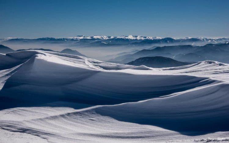 increibles-citas-en-las-montañas-eslovaquia-nieve-estrellas-enamorados-18