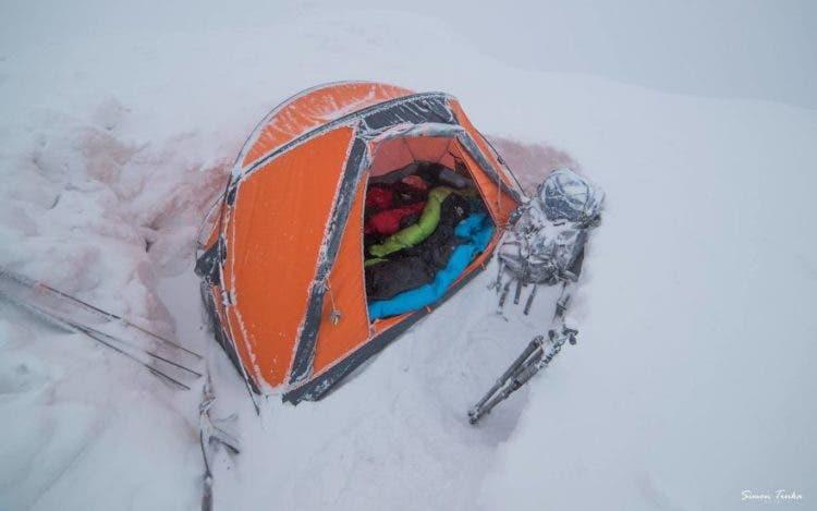 increibles-citas-en-las-montañas-eslovaquia-nieve-estrellas-enamorados-21