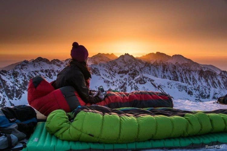 increibles-citas-en-las-montañas-eslovaquia-nieve-estrellas-enamorados-28