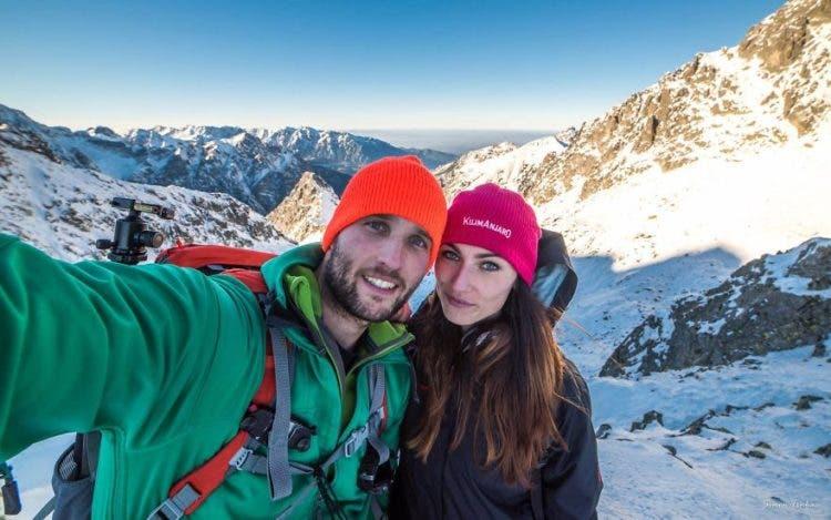 increibles-citas-en-las-montañas-eslovaquia-nieve-estrellas-enamorados-3