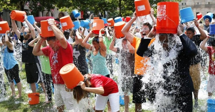 logros-ice-bucket-challenge - Copy