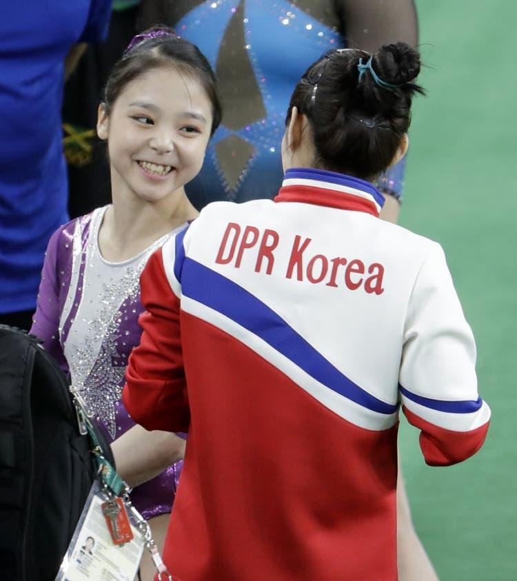 Gimnastas-Korea-Sur-Korea-Norte 2