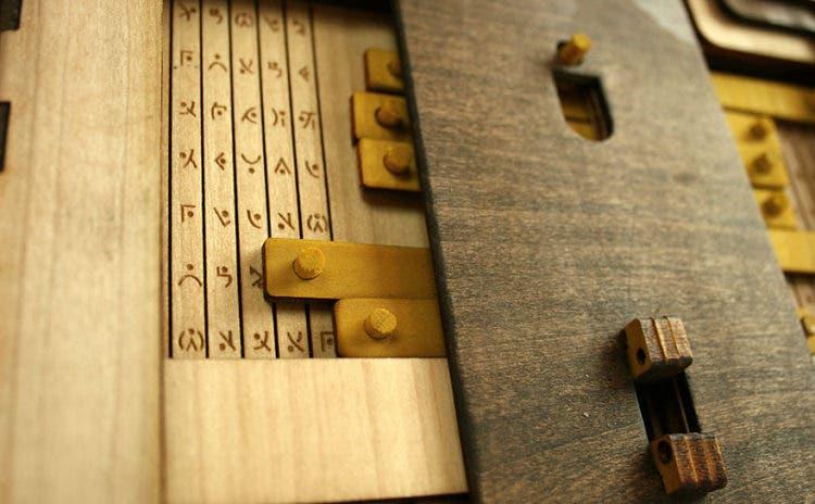 Libro-rompecabezas-Codex Silenda 4