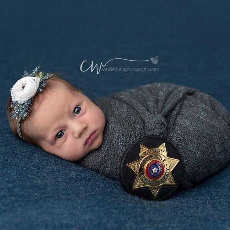 hermosas-fotos-bebe-policia-3