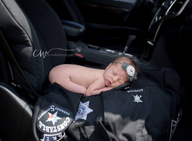 hermosas-fotos-bebe-policia-4