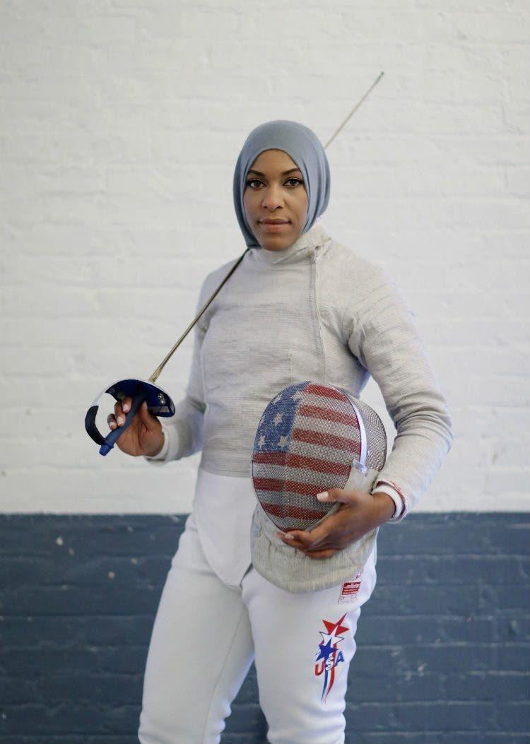 juega-esgrima-con-hijab1