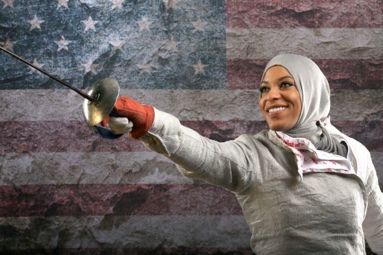 juega-esgrima-con-hijab9