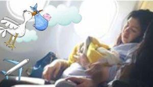 mujer-da-a-luz-en-avion1 - Copy