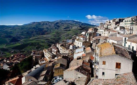 pueblo-italiano-regala-casas4