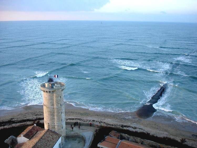 sorprendentes-olas-cuadradas-isla-re-3