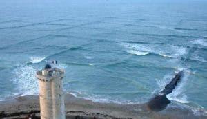 sorprendentes-olas-cuadradas-isla-re-portada